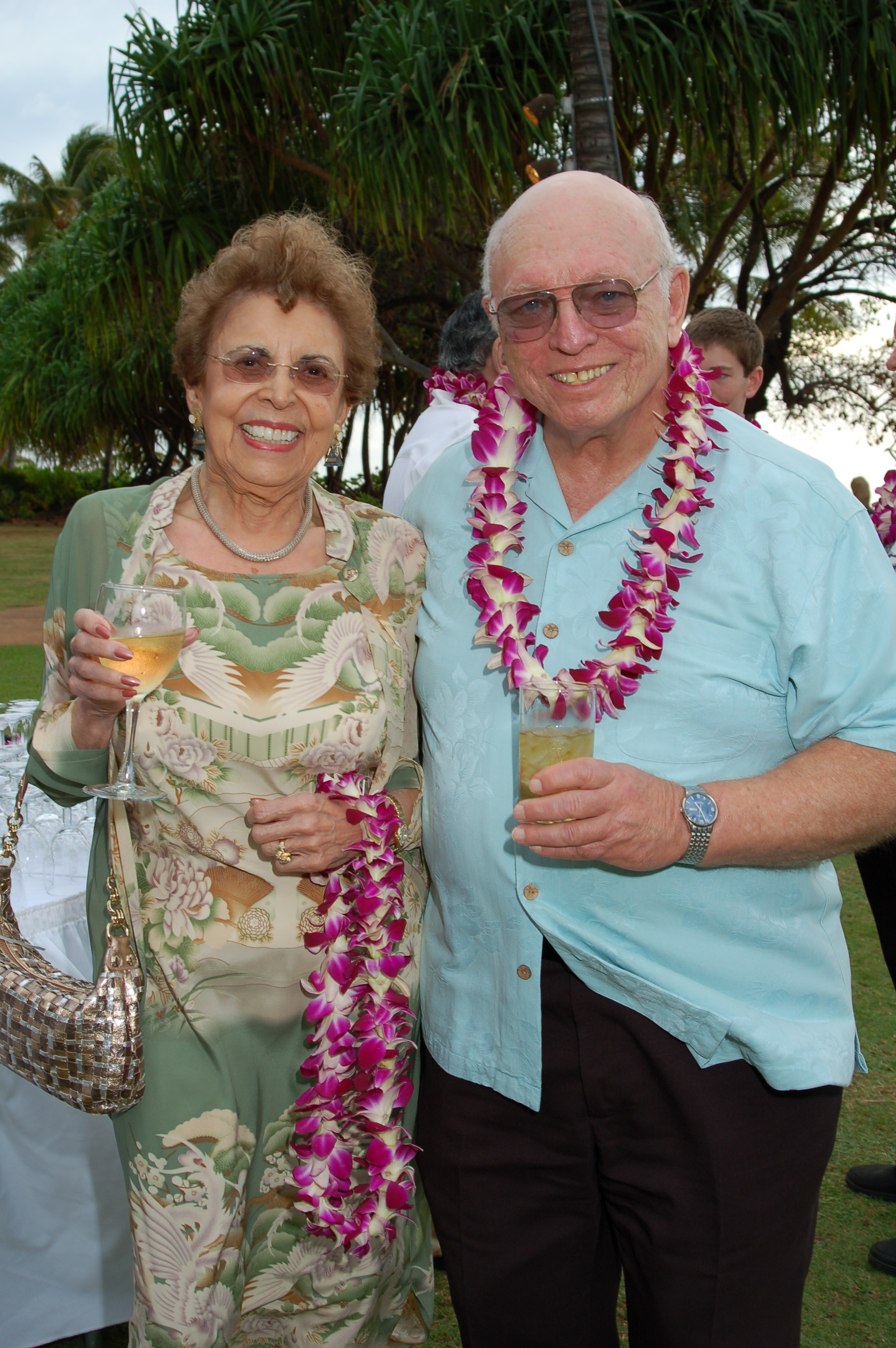 waianae jewish singles Meet latina singles in ewa beach, hawaii online & connect in the chat rooms dhu is a 100% free dating site to meet latina women in ewa beach.